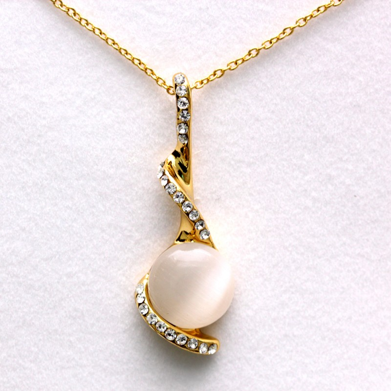 Twist Music Note Cat Eye Stone Gold Necklace